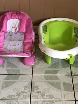TWO FISHER PRICE BABY BATH TUB for Sale in Riverside,  CA