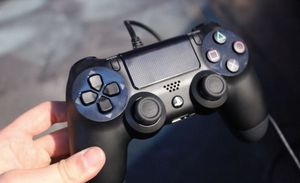 Ps4 controller for Sale in Hayward, CA
