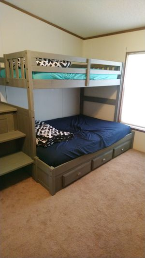 Brand new only used 1 month. Wood frame twin over full bunk bed with dresser for Sale in Columbia, TN