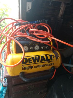 Air compressor works like new just need new regulator for Sale in Avon Park, FL