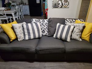 Gray couch for Sale in San Diego, CA