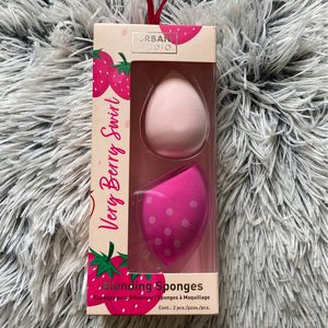 Beauty Blender (2 Piece Set) for Sale in Lynwood, CA