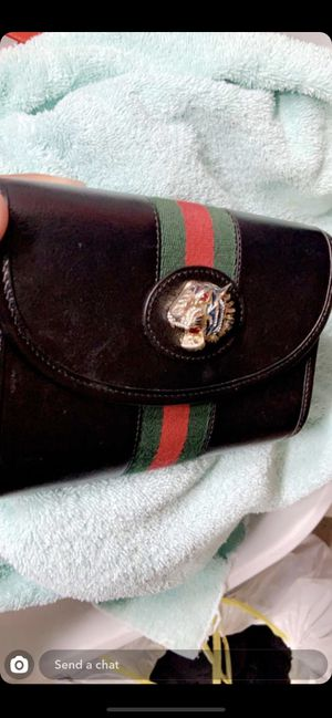 Gucci women's hand bag for Sale in Orting, WA
