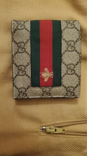 Mens Gucci GG monogram stripe bee wallet for Sale in Chicago, IL