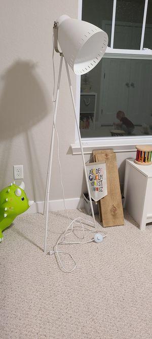 Floor lamp for Sale in Moyock, NC