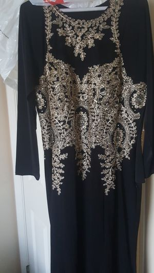 Macy's Brand Xscape dress for Sale in Strongsville, OH