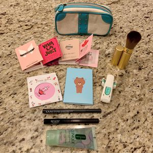 Makeup bundle new for Sale in Lake Stevens, WA