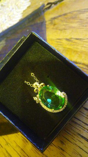 Pendant w/ necklace (18k gold filled) for Sale in Las Vegas, NV