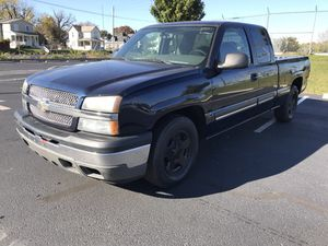 2005 Chevy Silverado Ext Cab Low Miles for Sale in Columbus, OH