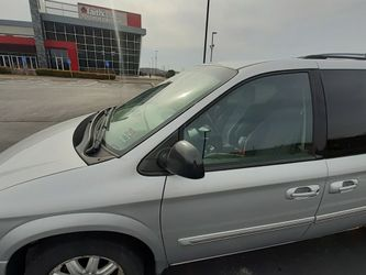 2006 Chrysler Town & Country for Sale in Granite City,  IL