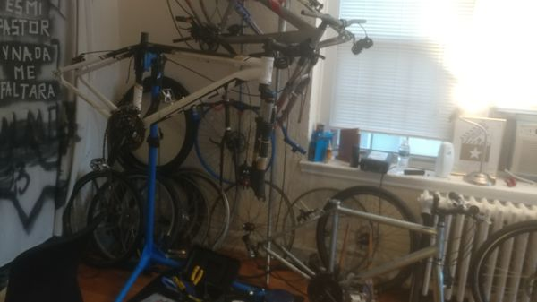 4 frames in good conditions 3 treks one Specialized hard rock cleaning my apt.