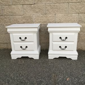 Elegant White Color Drawers Nightstands for Sale in Lake Elsinore, CA