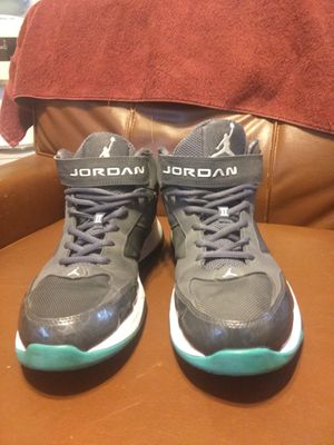 Jordan BCT Mid greyand turquoise size 10.5 for Sale in San Angelo, TX
