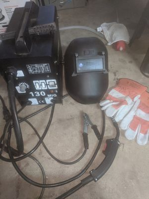 130 MIG welder with mask scraper and gloves for Sale in Annandale, VA