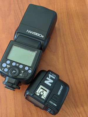 Neewer NW 880s Speedlite & Transmitter for Sony for Sale in Chicago, IL