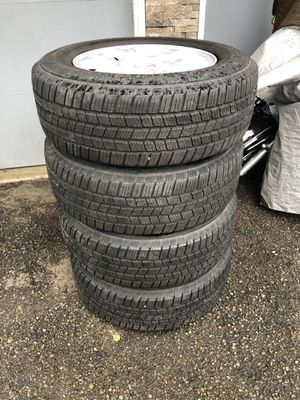 Honda Pilot Wheels and tires. for Sale in Covington, WA
