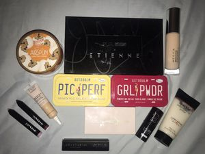 Makeup beauty bundle for Sale in Hilliard, OH