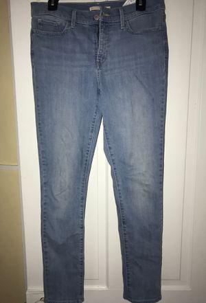 Brand new Levi's skinny jeans for Sale in Manasquan, NJ