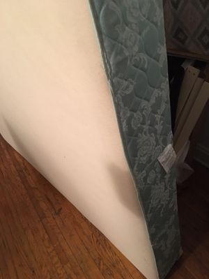 Queen box spring for Sale in Columbus, OH