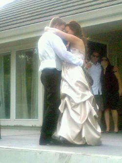 Beautiful wedding dress for Sale in Prineville,  OR