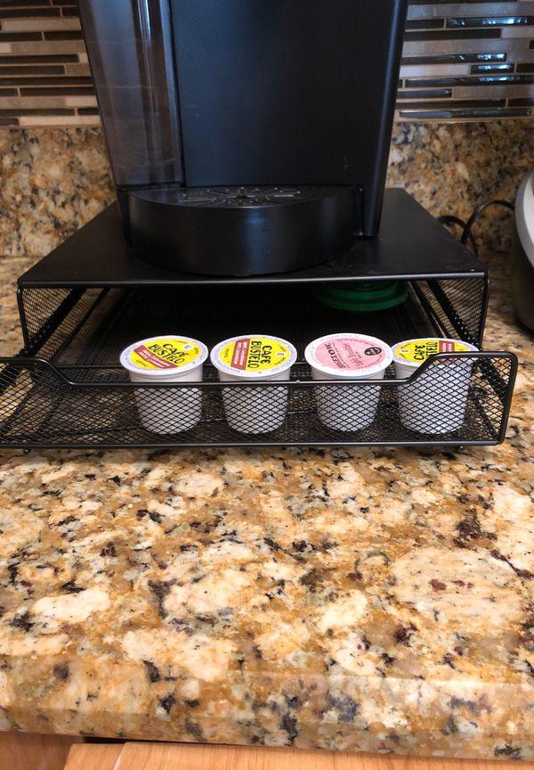 Keurig with drawer and Black & Decker Blender set