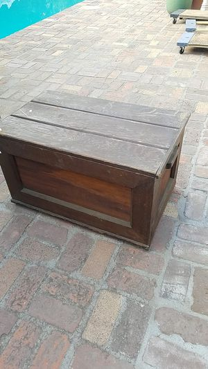 Vintage trunk or box $20 good condition I'm located in Redlands for Sale in Redlands, CA