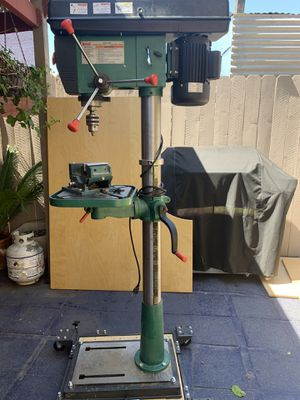 "12 Speed heavy-duty 17"" floor drill press. Grizzly industrial for Sale in Santa Clarita, CA"
