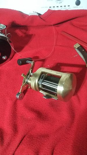Calcutta 700 fishing reel for Sale in Columbus, OH