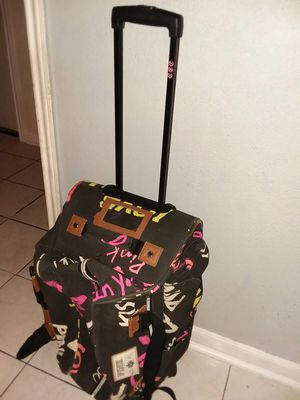 VS Pink rolling duffle bag for Sale in Missouri City, TX