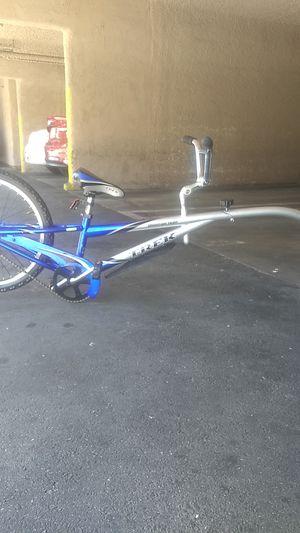 Trek mountain train bike trailer for Sale in Los Angeles, CA