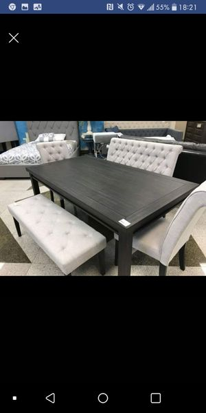 Brand New Casual 5pc. Dining Table Set for Sale in Austin, TX