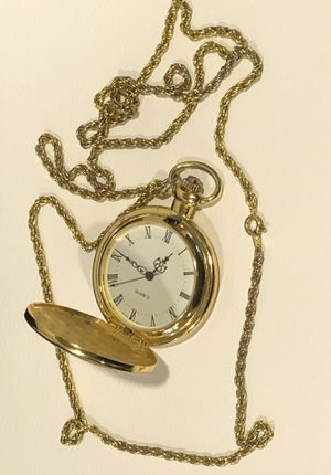"""Working gold pocket watch pendant and chain 30"""" for Sale in Moon, PA"""