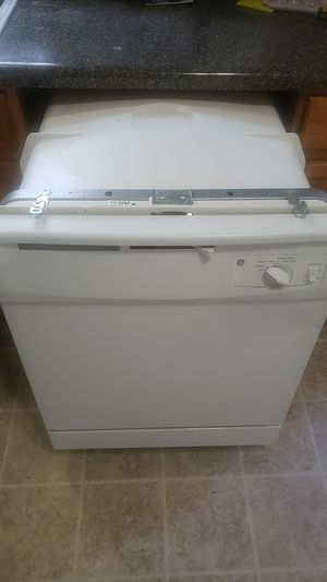 GE white dishwasher for Sale in Columbia, SC