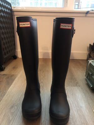 Hunters rain boots size 6 for Sale in Seattle, WA