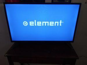 Televisión 32 pulgadas con control for Sale in Phoenix, AZ