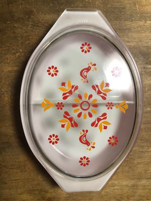 Vintage Pyrex 1 1/2 Qt Divided Casserole Dish for Sale in Channelview, TX