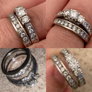 Engagement ring and wedding band for Sale in San Bernardino, CA