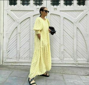 Zara Yellow Feather Dress Size M for Sale in Brooklyn, NY