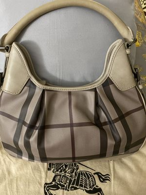 Burberry bag for Sale in Las Vegas, NV