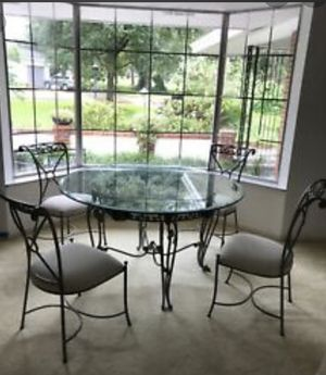 Kitchen table with Glass Top. for Sale in Woodville, CA