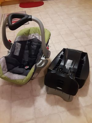 Baby Trend infant car seat for Sale in Indianapolis, IN