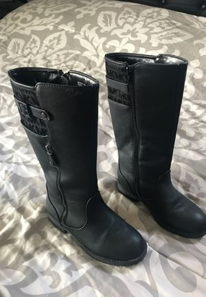 Size 13 Girl boot for Sale in San Diego, CA