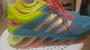 Adidas Womens Size 6 for Sale in Adairsville, GA