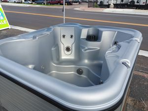 Nordic Retreat hot tub super nice for Sale in Woodland Park, CO