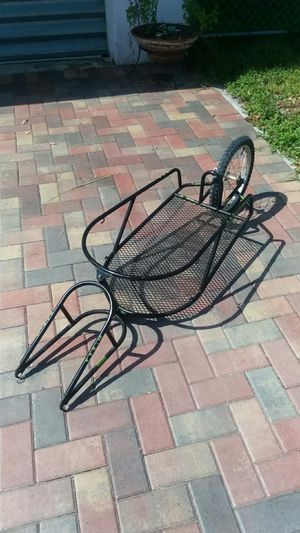 "BOB BIKE TRAILER YAK 16 ""NEW TIRE & TUBE"" NO OFFERS, PRICE IS FIRM for Sale in North Miami, FL"