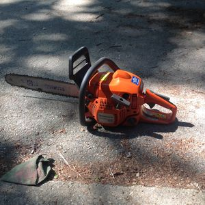 Husqvarna chainsaw for Sale in Hollis, NH