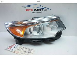 FORD EDGE RIGHT PASSENGER HID XENON HEADLIGHT OEM 2011 2012 2013 2014 for Sale in Lynwood, CA