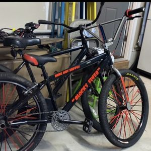 Blocks Flyer Looking For Trades Or Money( This Is My Friends Bike And He Wants It Gone) for Sale in Brick Township, NJ