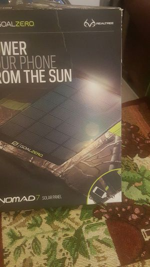 Nomad 7 solar panel for Sale in Chicago, IL
