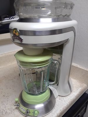 MARGARITAVILLE MARGARITA MIXER BLENDER. USED ONLY A FEW TIMES. STILL IN NEW CONDITION for Sale in Dallas, TX